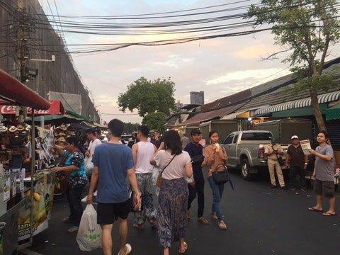 曼谷5大批发市场:服饰配件、古董手工品包罗万象
